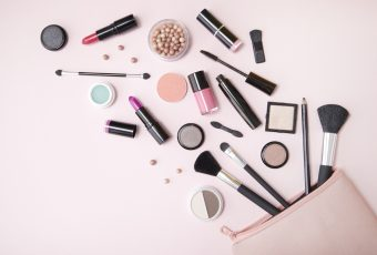 Makeup Products You Need To Have While Traveling